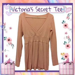 ❌CLEARANCE❌ Victoria's Secret Tee Shop top